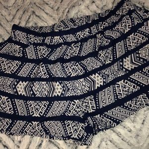🎀5/$25🎀 Aztec design Polyester Shorts